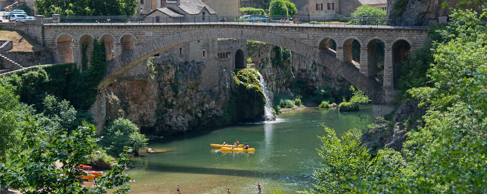 Saint-Chély du Tarn bridge in Lozère