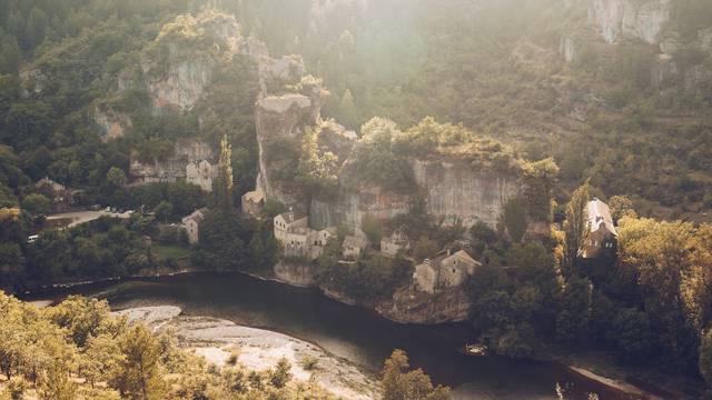 Le village de Castelbouc au coeur des Gorges du Tarn