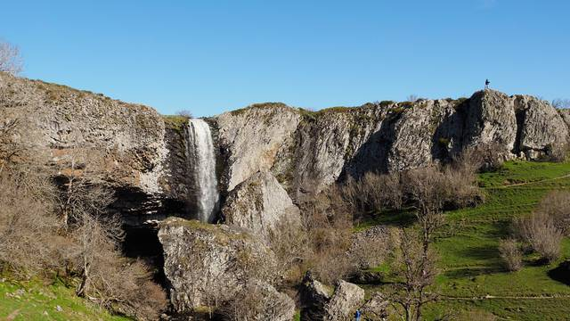Vue du cascade du Déroc.