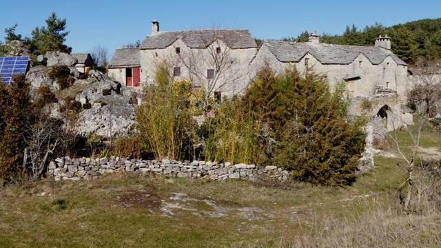 caxe village lozère