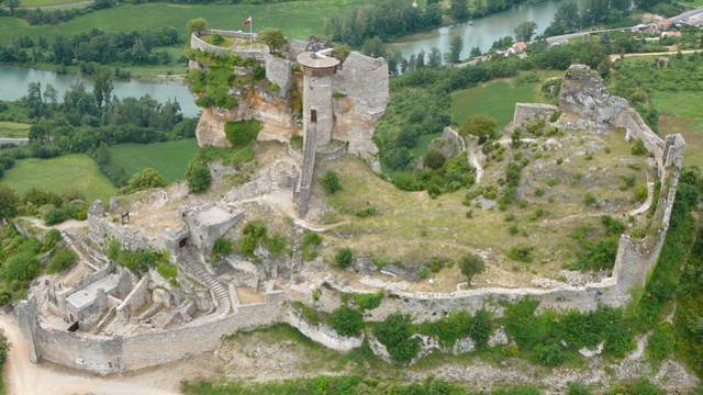 Le château de Peyrelade.