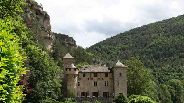 Le Château de la Caze dans les Gorges du Tarn.