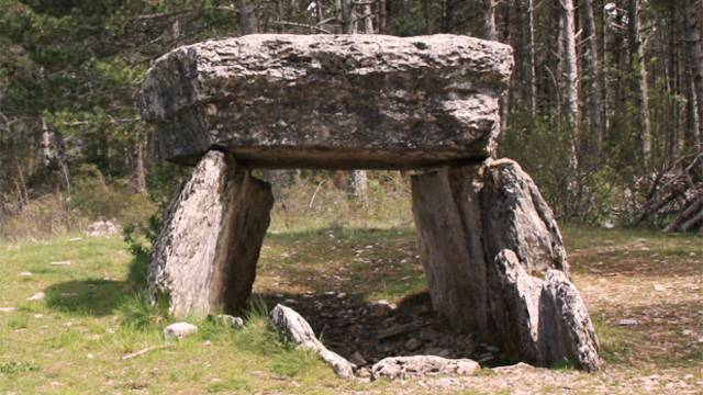 dolmen causse sauveterre