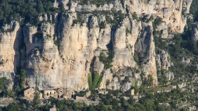 village d'Eglazines dans les Gorges du Tarn