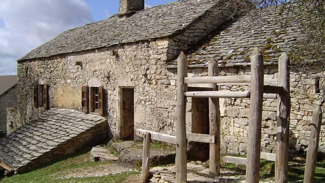 la ferme Caussenarde d'Autrefois sur le Causse Méjean