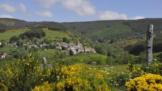 Les Salces, un village du plateau de l'Aubrac