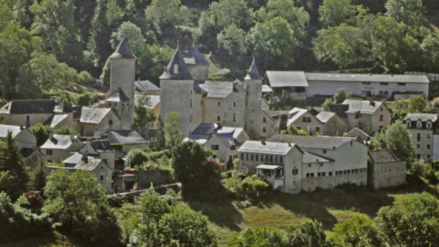 village vallée du lot paysage