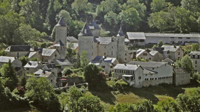 Vue du village de Saint-Saturnin.