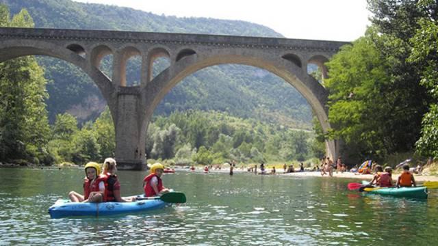 Descente en Canoë le long des Gorges du Tarn