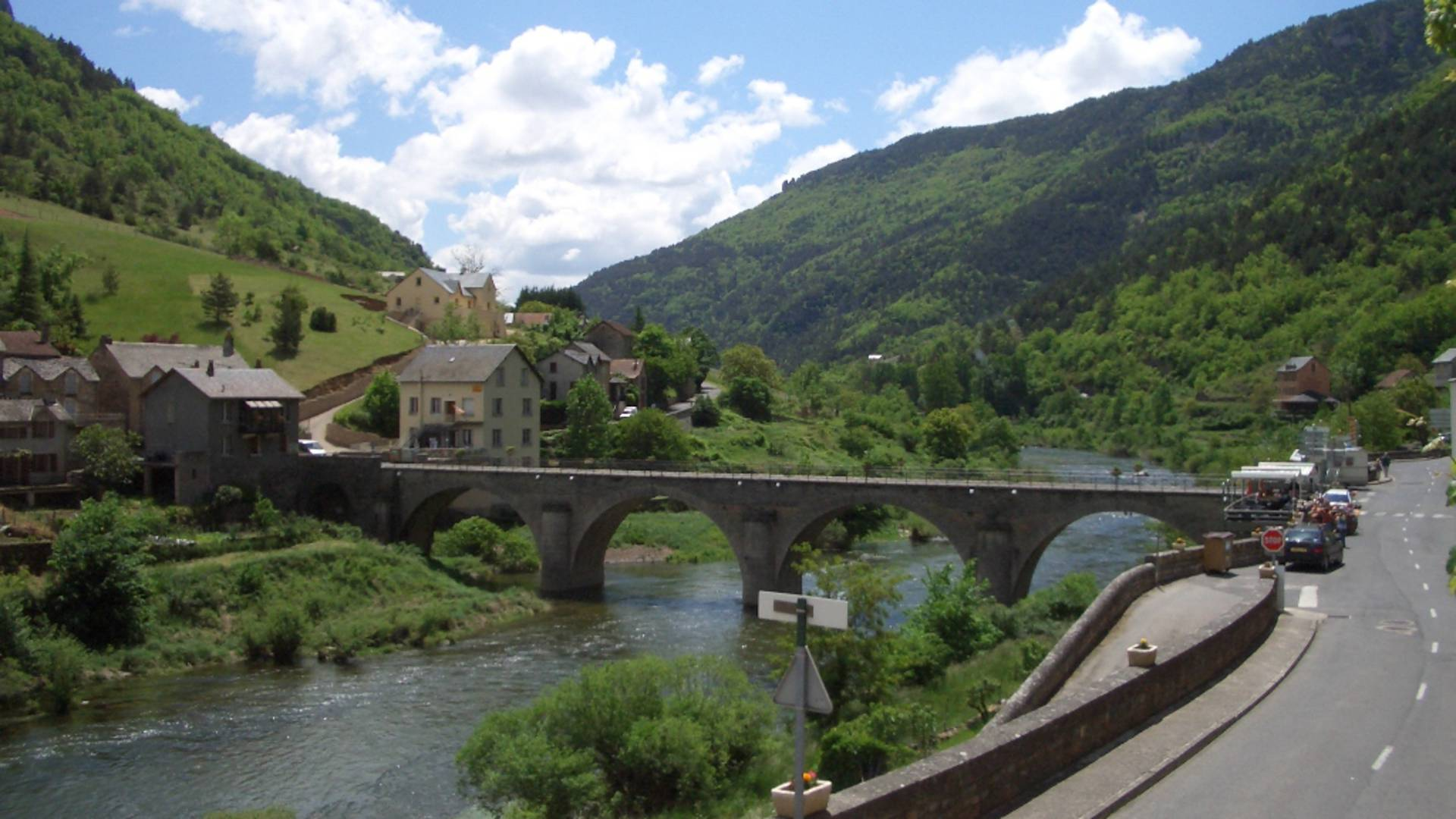 Le village des Vignes dans les Gorges du Tarn en Lozère.
