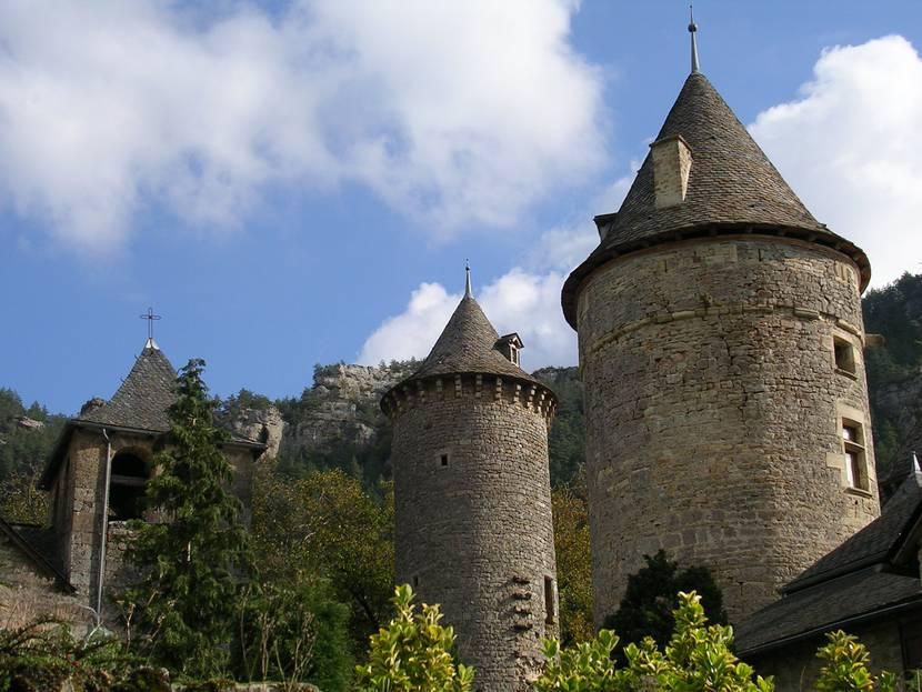 Château de Saint-Saturnin.