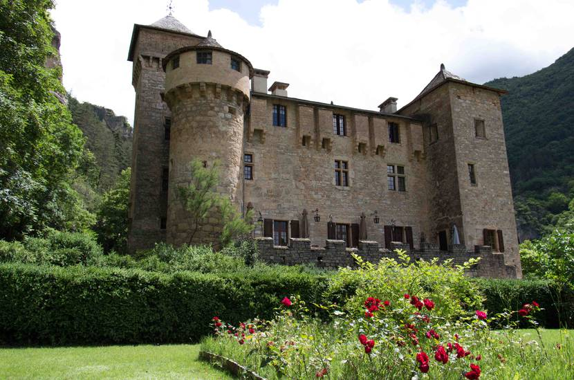 Le château de la Caze sur la commune de Laval-du-Tarn.