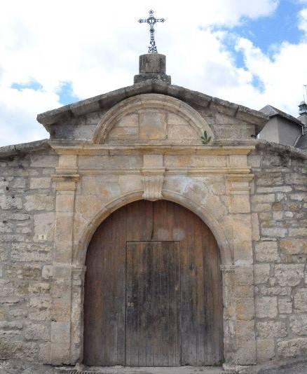 Entrance door of the old Clos du Nid building in Saint-Germain-du-Teil