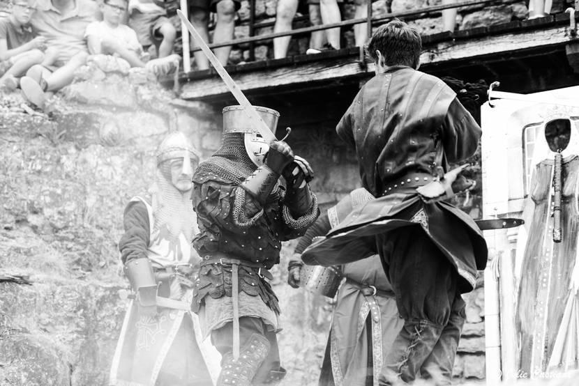 Combat de chevalier au château de Peyrelade.