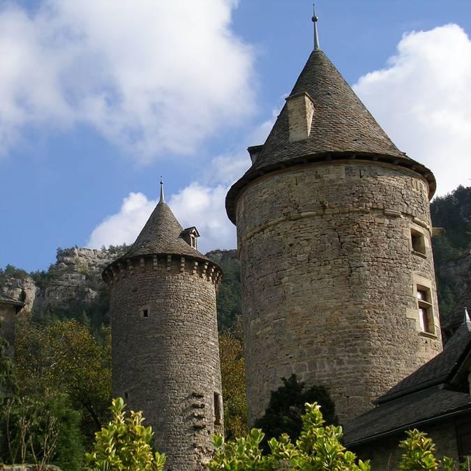 Le Château de Saint-Saturnin.