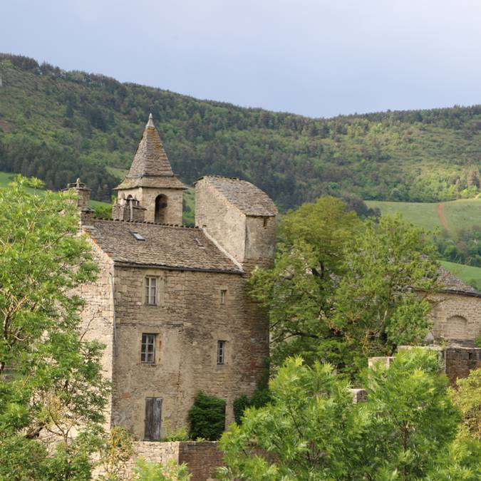 The fortified hamlet of Le Villard in the Lot river Valley